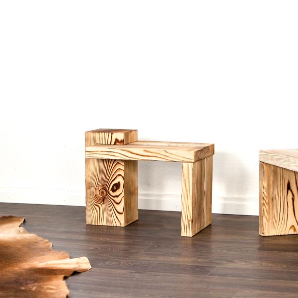 Nachttisch Möbel oder Beistelltisch zum Balkenbett
