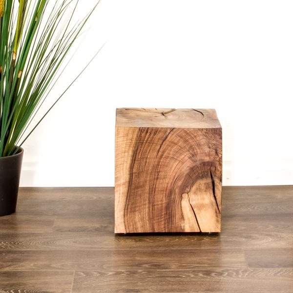 Beistelltisch aus Schweizer Holz von farao design