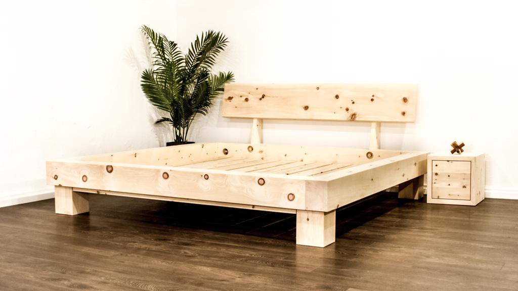 Das Mondholzbett aus Arvenholz
