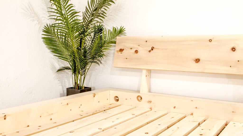 Das Mondholzbett aus Zirbenholz