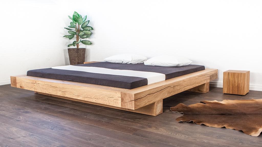 Balkenbett oder Naturholzbett aus Schweizer Holz